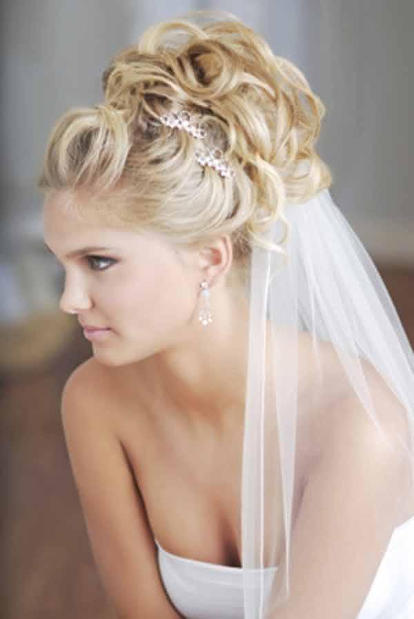 penteados-para-noivas-com-véu-2