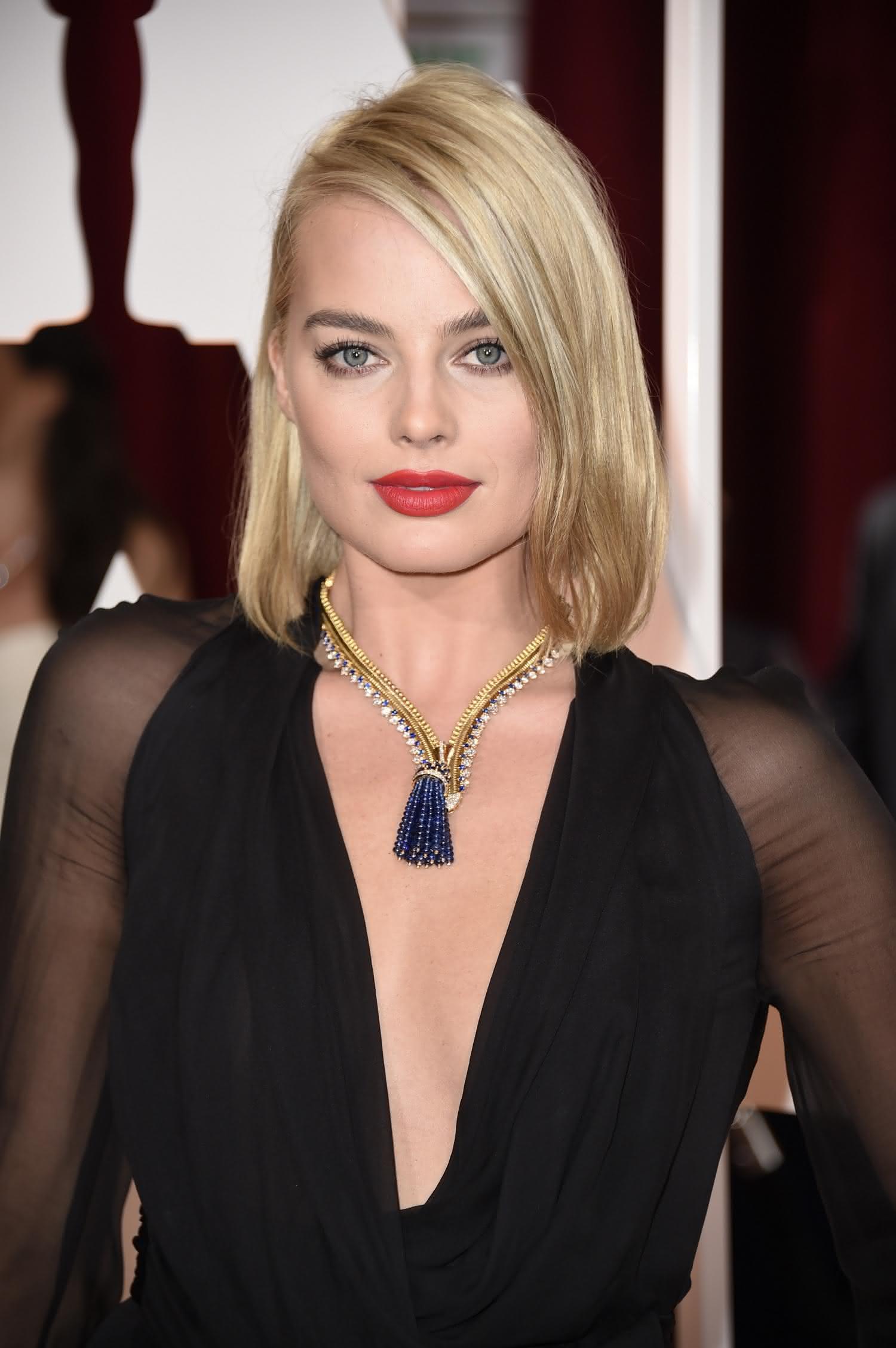 Margot-Robbie-rostoquadrado-cabelocurto