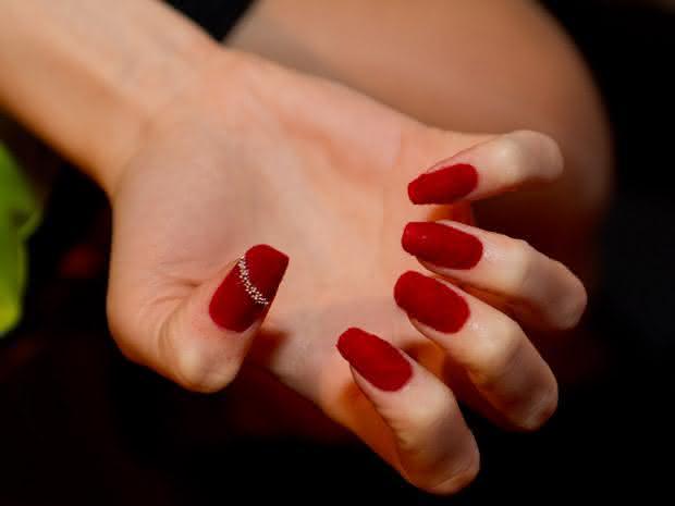 nails-pelucia-620-12_8366571225413107762