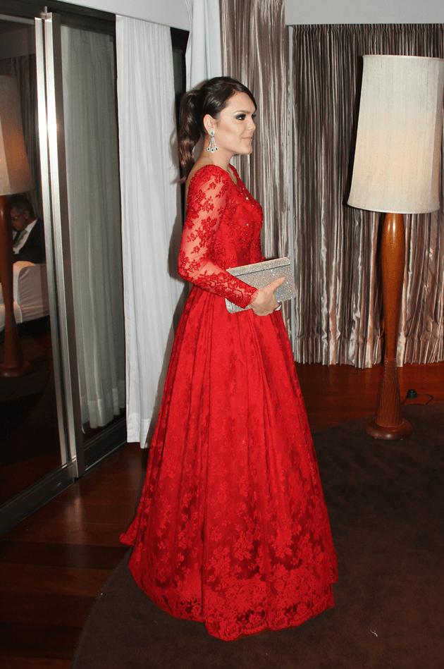 Vestido-de-madrinha-inspiração-dicas-ideias-opções-todos-os-preços-Sandro-Barros-Atelier-vermelho-dress-Lari-Duarte-blog-casamento-espaço-Lydia-Dana-joias-4