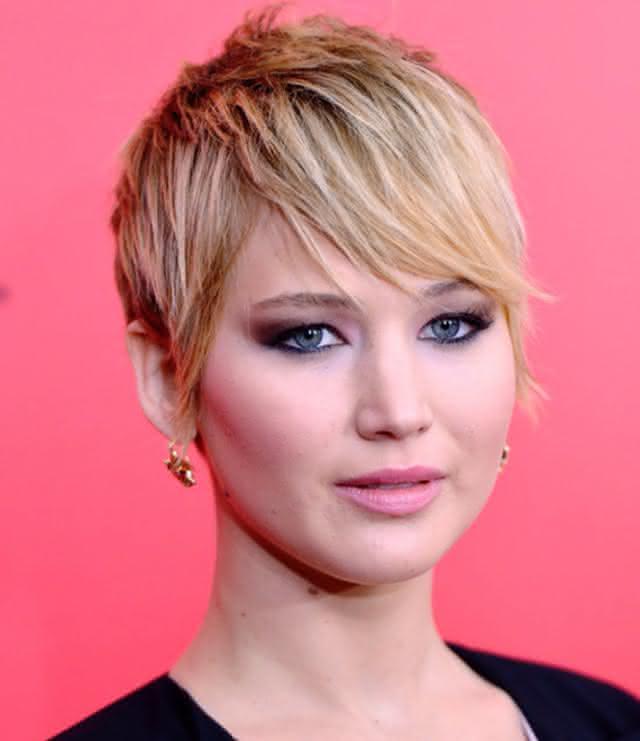 0 cabelo curto Jennifer Lawrence