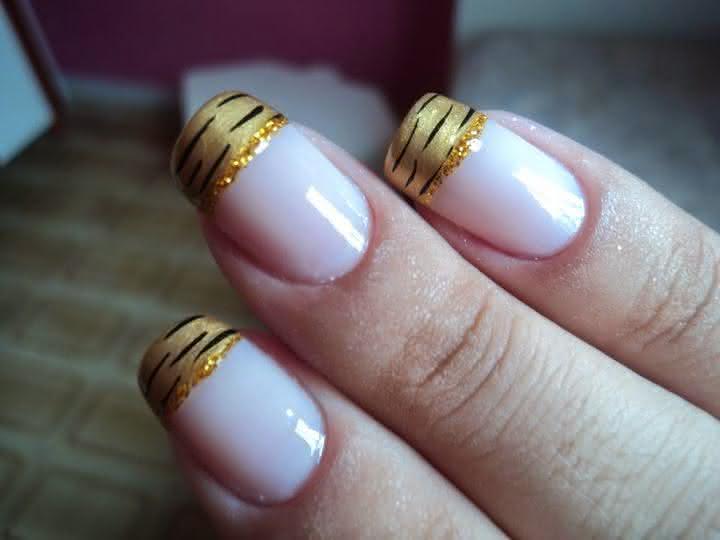 Unhas Douradas para o Ano Novo