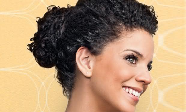 penteado para cabelo cacheado 6