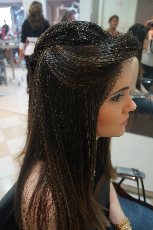 penteados simples para cabelos longos em morenas