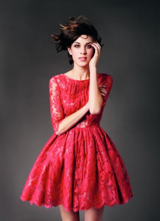 23b5bd980 Depois de ver os lindos modelos de vestidos para natal 2017 renda que estão  lhe esperando com certeza você irá amá-los e vai ficar ansiosa para que  chegue ...