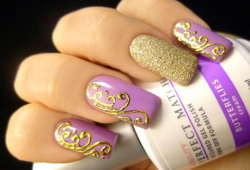 unhas de gel_lilas_dourado_desenhos_tendencia_2015_httpdicasfemininas-su.blogspot