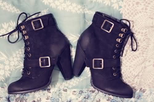 bota-botas-cute-fashion-pretty-sapatos-Favim.com-69887