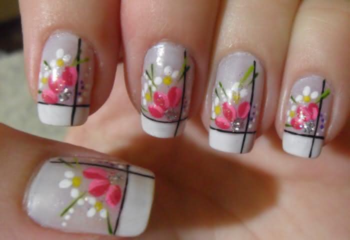 unhas-decoradas-com-flores-simples-13