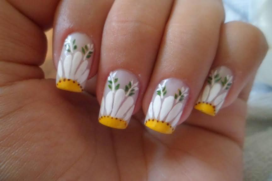 unhas_decoradas_cm_detalhes_amarelos_f141a5017be8a65bef0aa315bee4cc7a_unhas decoradas com detalhes amarelo