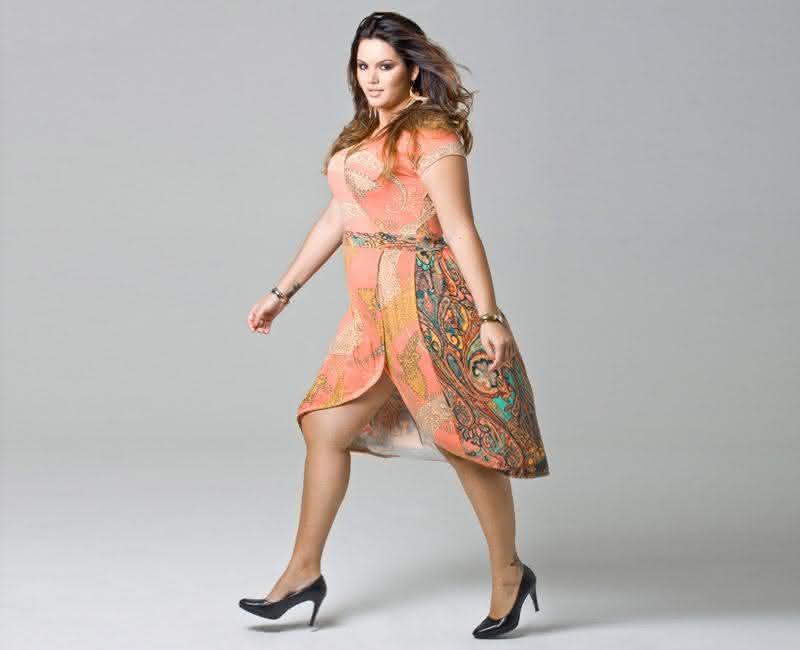 vestido-mullet-estampado-plus-size