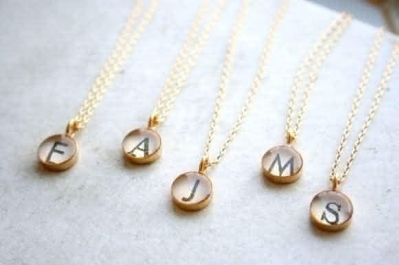 colar-presente-madrinhas-600x399-580x385