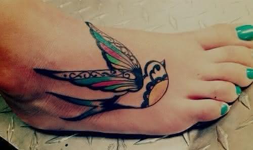 tatuagem-delicada-grande-no pé