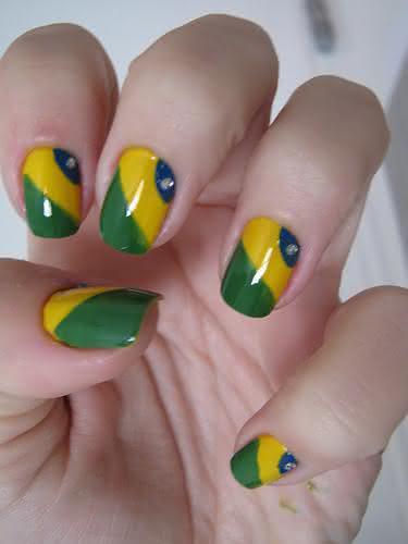 unha-verde-amarela-brasil (2)