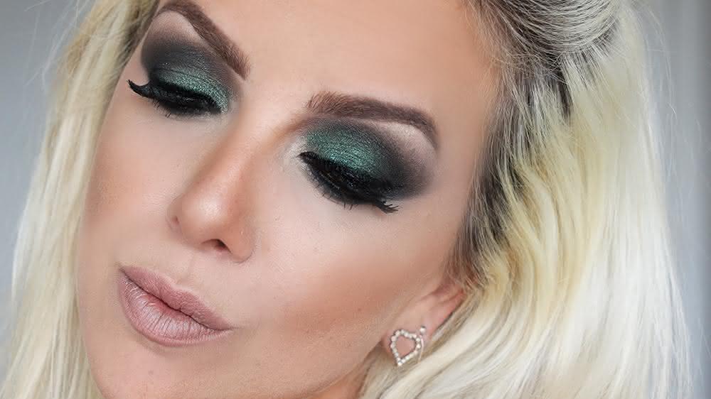 Tutorial-de-Maquiagem-Festas-de-Fim-de-Ano.-Sombra-Verde-Marrom-e-Preta-1