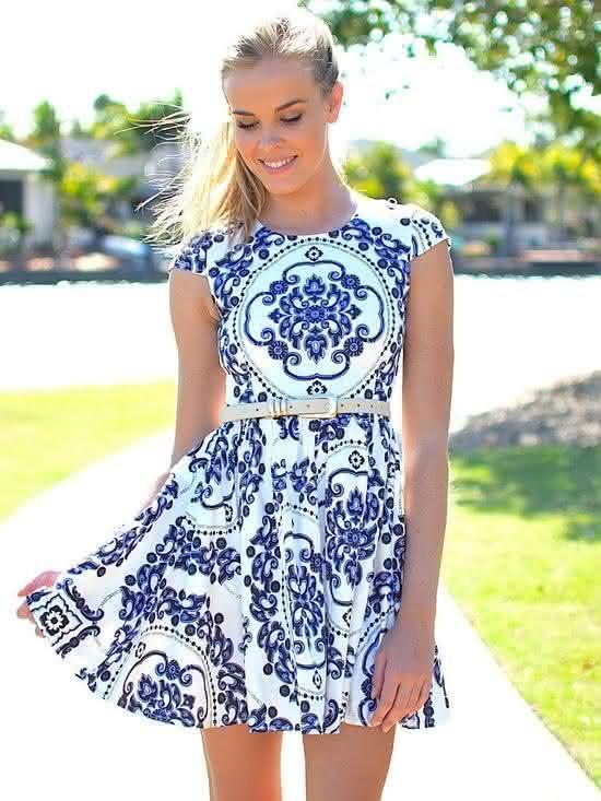 b929d76328 evagelica-tumblr-moda moda-feminina-evangelica tumblr moda evangelica  vestido-azulejo ...