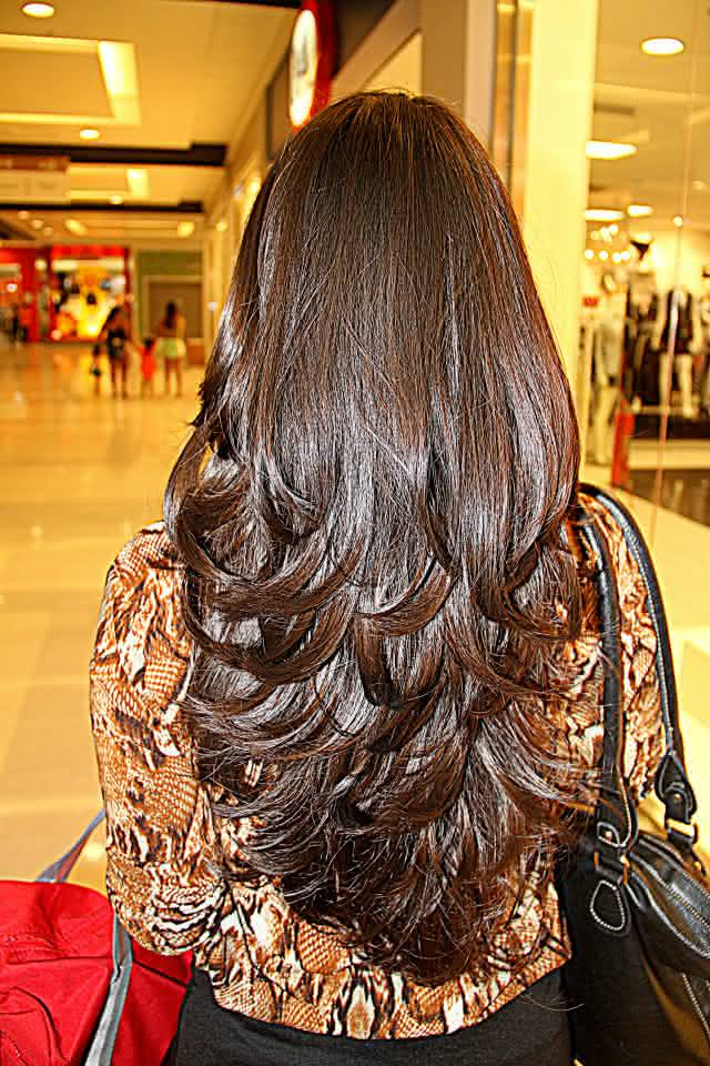 Corte de cabelo repicado em camadas - Divina e Mulher