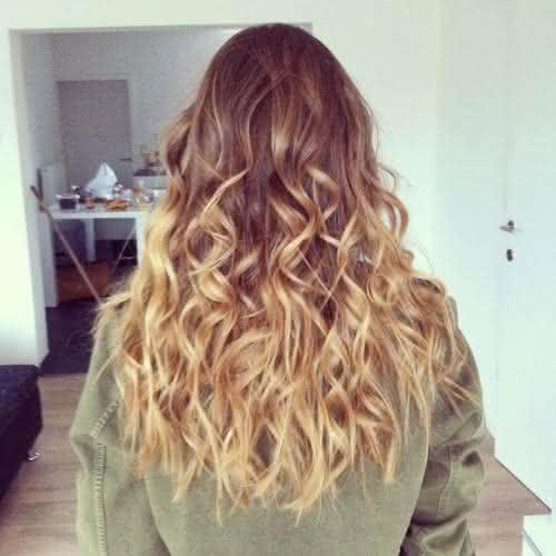 cabelo-longo-loiro