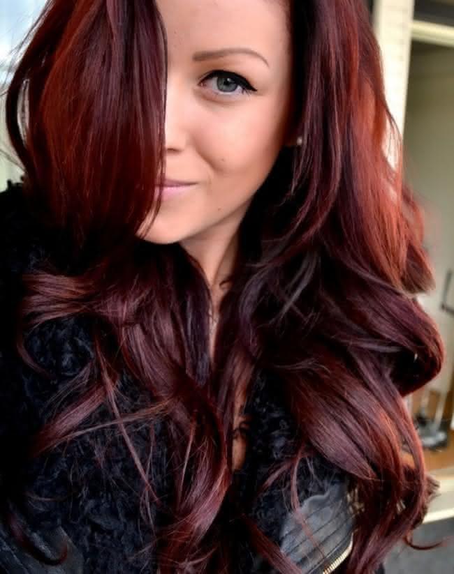 Cabelo-vermelho-escuro