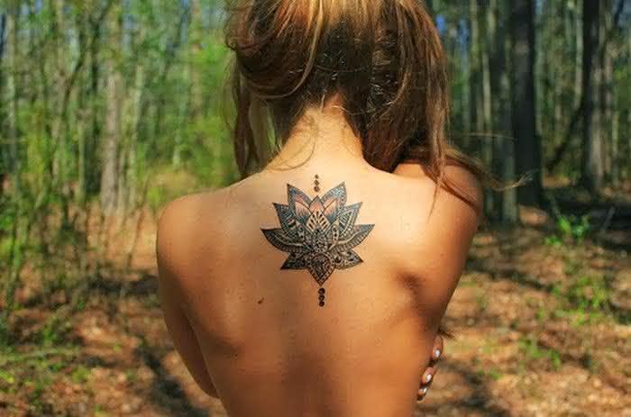 Tatuagens-Femininas-nas-Costas