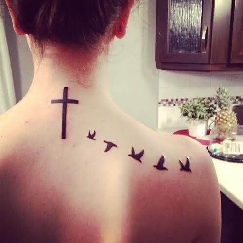 tatuagem-cruz-nas-costas
