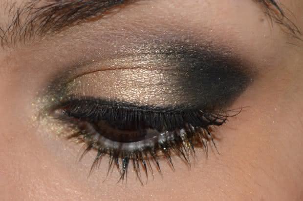 olho-preto-dourado
