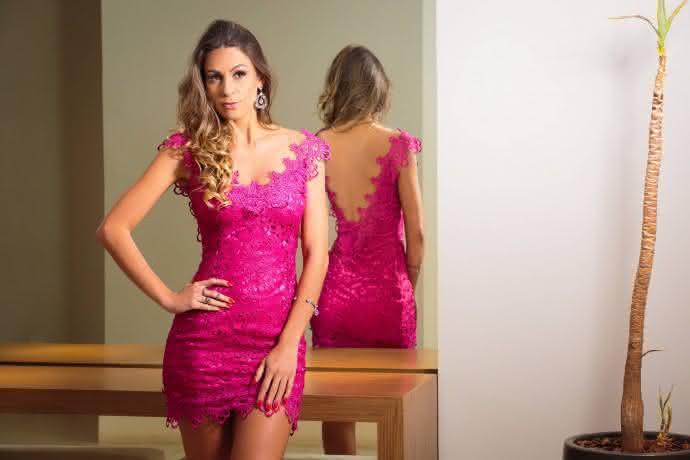 a6e4d8d177 vestido-de-renda-curto-pink-690x460 ...