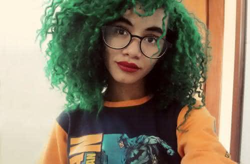 cabelo-colorido-cacheado