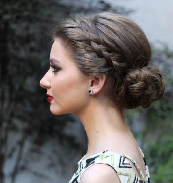 penteados com coque baixo