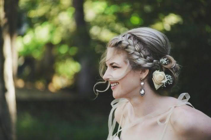 penteados-modernos-para-noivas-com-tranças-2