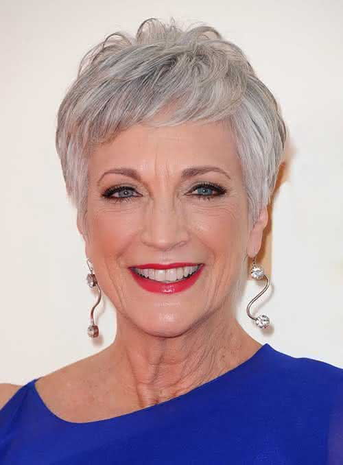 7.Short-Haircut-For-Older-Ladies
