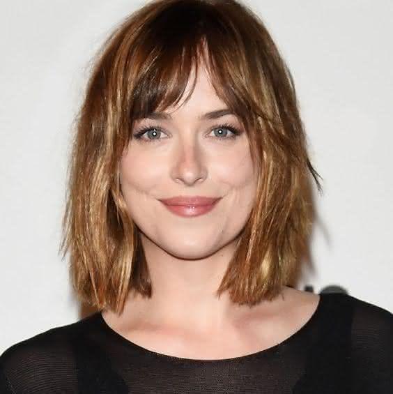 cortes de cabelo com franja oval