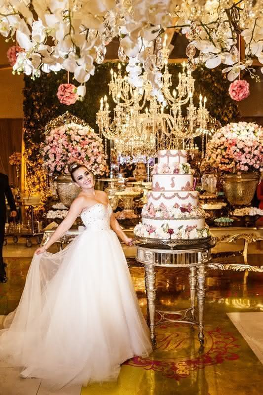 Festa-de-luxo-vestido-brancopara-debutante