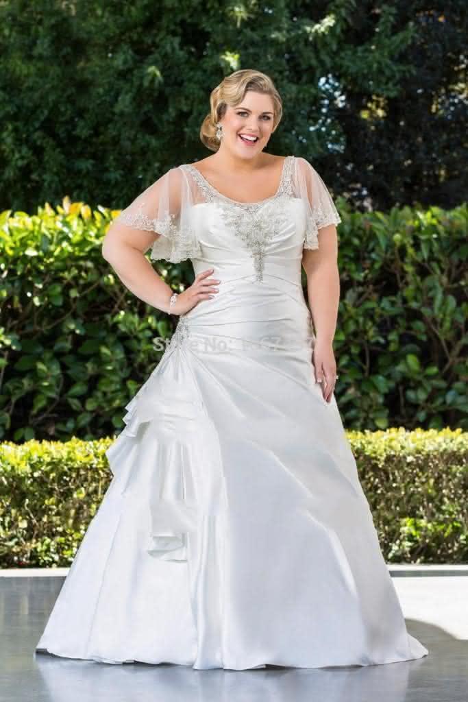 Vestido-de-noiva-plus-size-comprido-com-renda-683x1024
