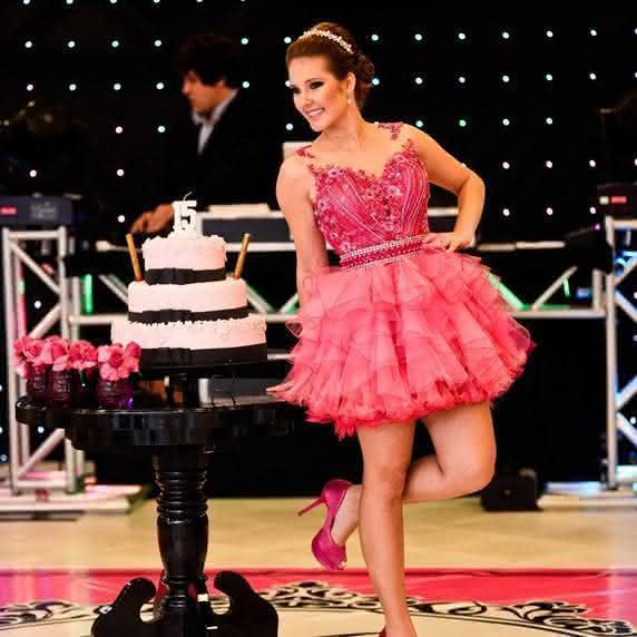 festa-rosa-pink-e-preto-maria-vitoria-gazoni-28-572x572