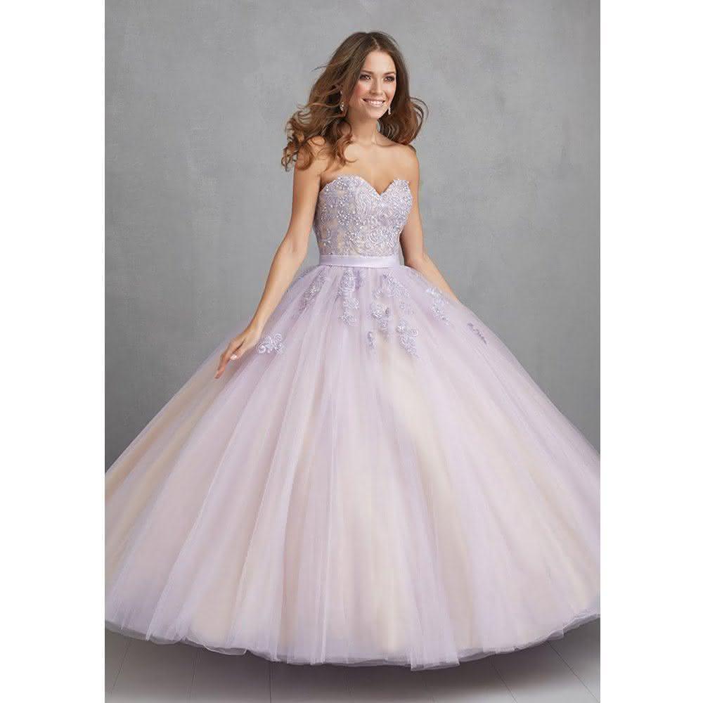 Vestido de debutante lilás brilhante