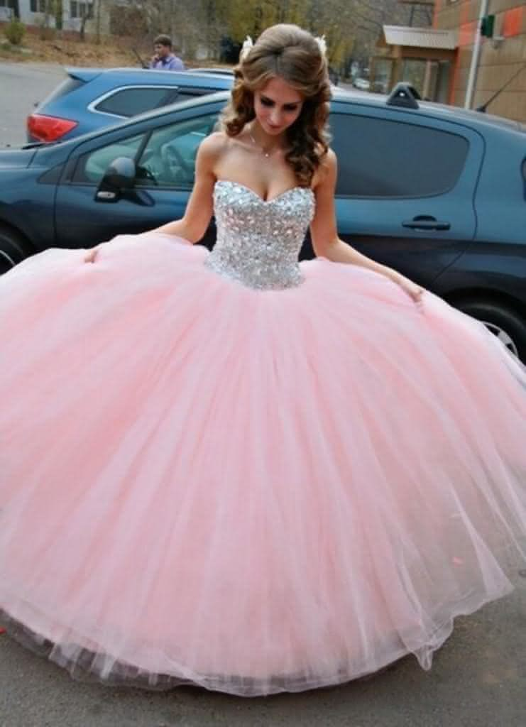 Vestidos de debutantes rosa com colete brilhante