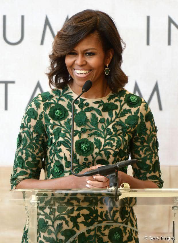 21511-michelle-obama-acompanhou-a-idade-e-article_news-3