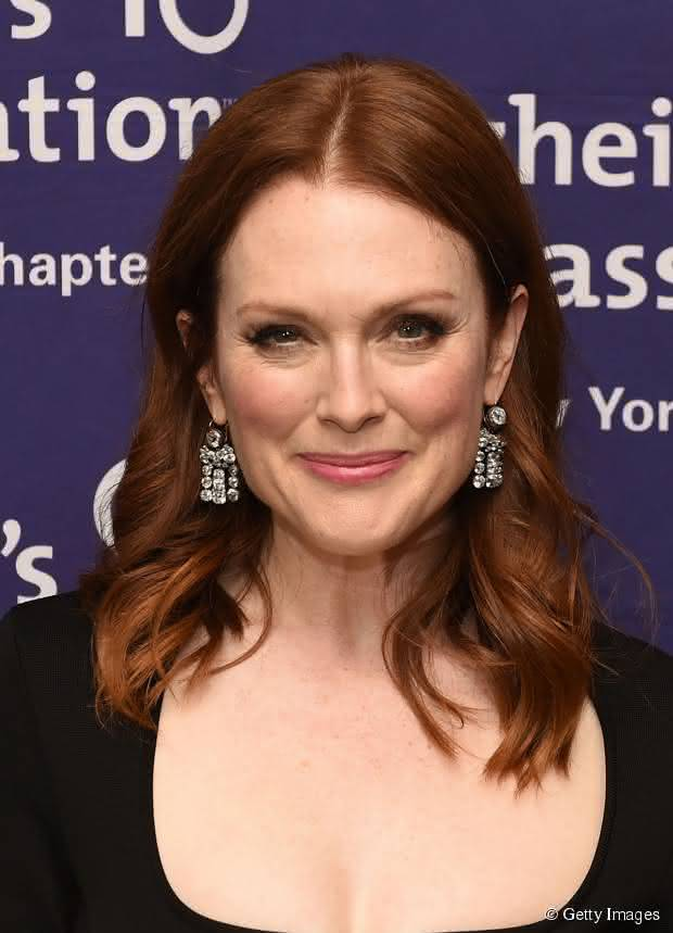 64535-julianne-moore-aposta-no-long-bob-com-article_news-3