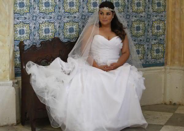 Vestido-de-noiva-plus-size-da-Perséfone-pode-ou-não-pode-ll