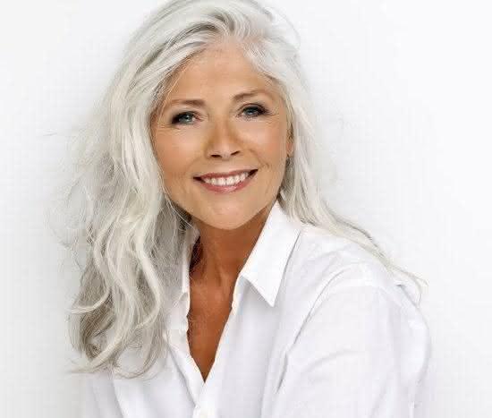 cabelo-longo-mulher-idosa8