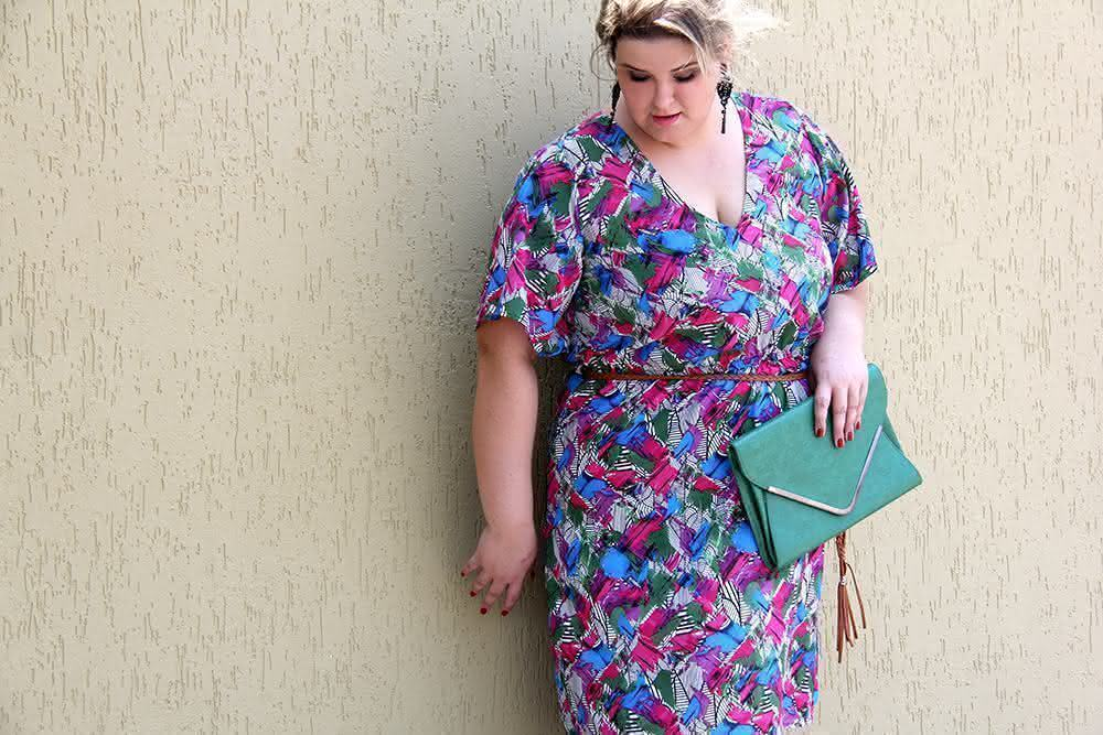 vestido-colorido-plus-size-3-julia-plus