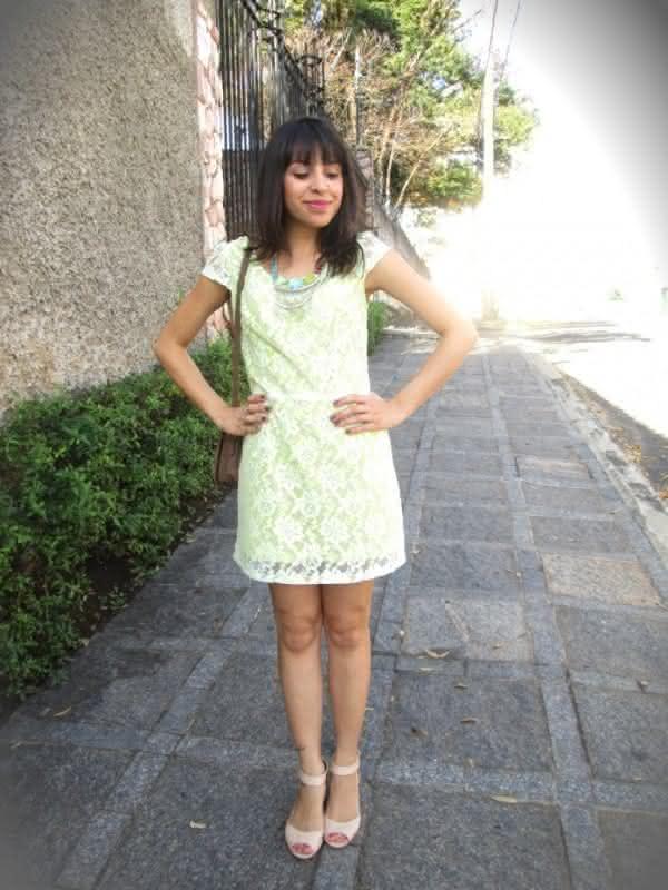look-vestido-verde-limao-de-renda2-600x800