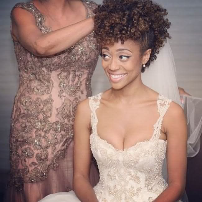 penteado-noivas-cabelos-cacheados-afro-005