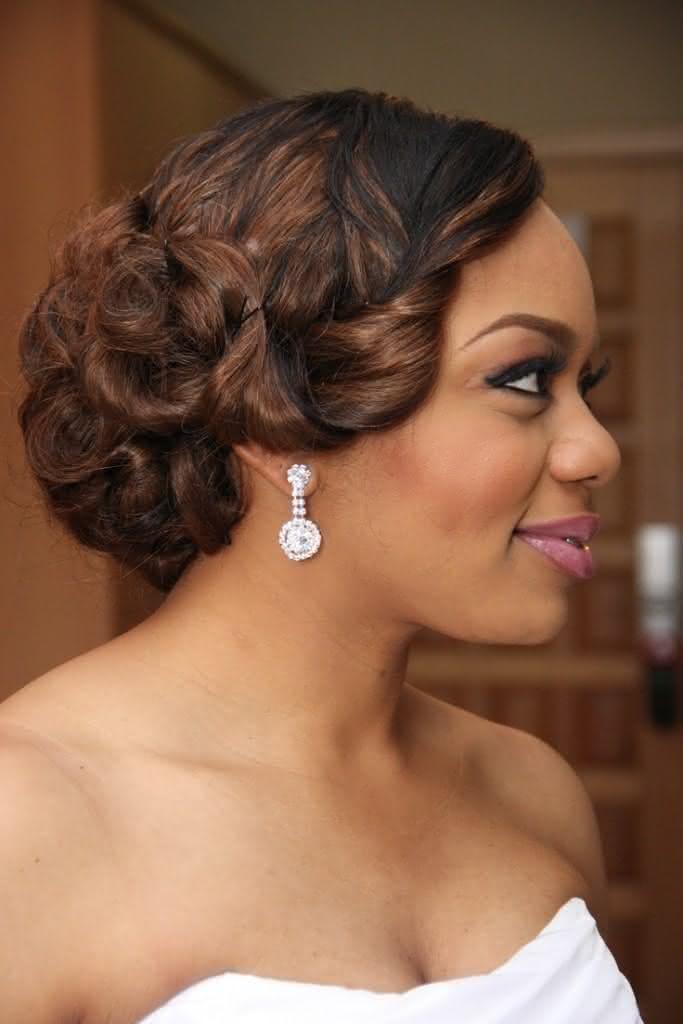 wedding-hairstyles-for-long-natural-hair-noivas-negras-penteados-para-casamento-cabelos-crespos-59