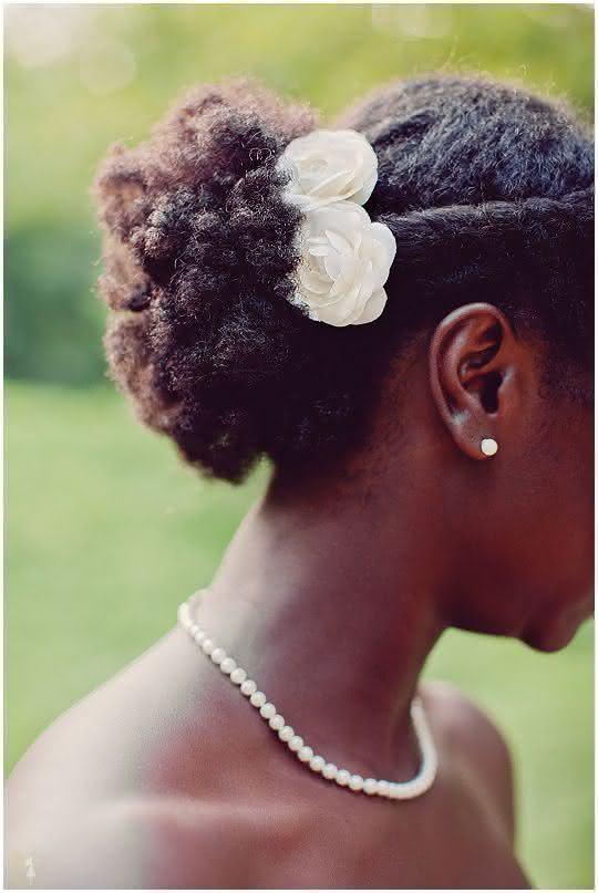 wedding-hairstyles-for-long-natural-hair-noivas-negras-penteados-para-casamento-cabelos-crespos-7