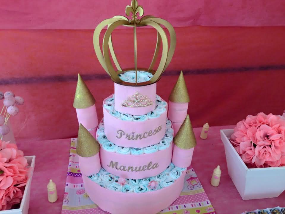 bolo-castelo-de-fraldas-para-cha-bebe-bolo-fraldas-castelo-da-princesa