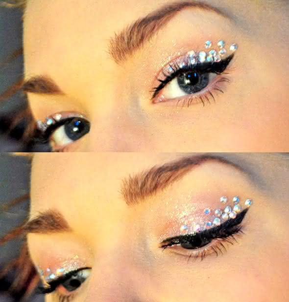 namoradeira-carnaval-2013-maquiagem-com-strass