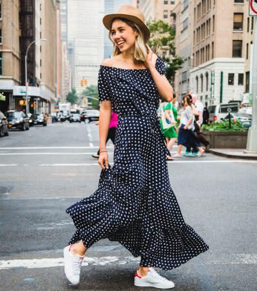 vestido-longo-chapeu-street-style-530x600
