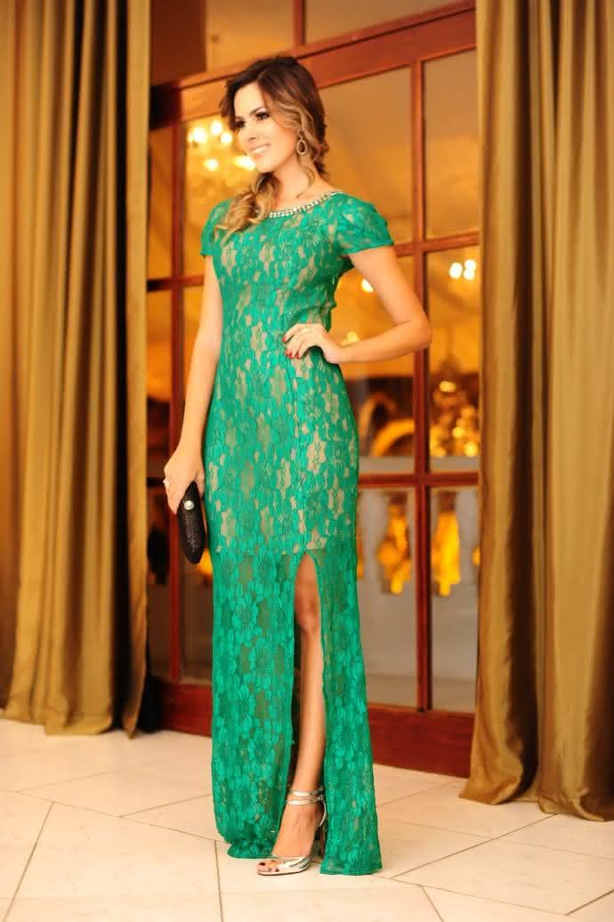 vestido-longo-verde-com-fenda
