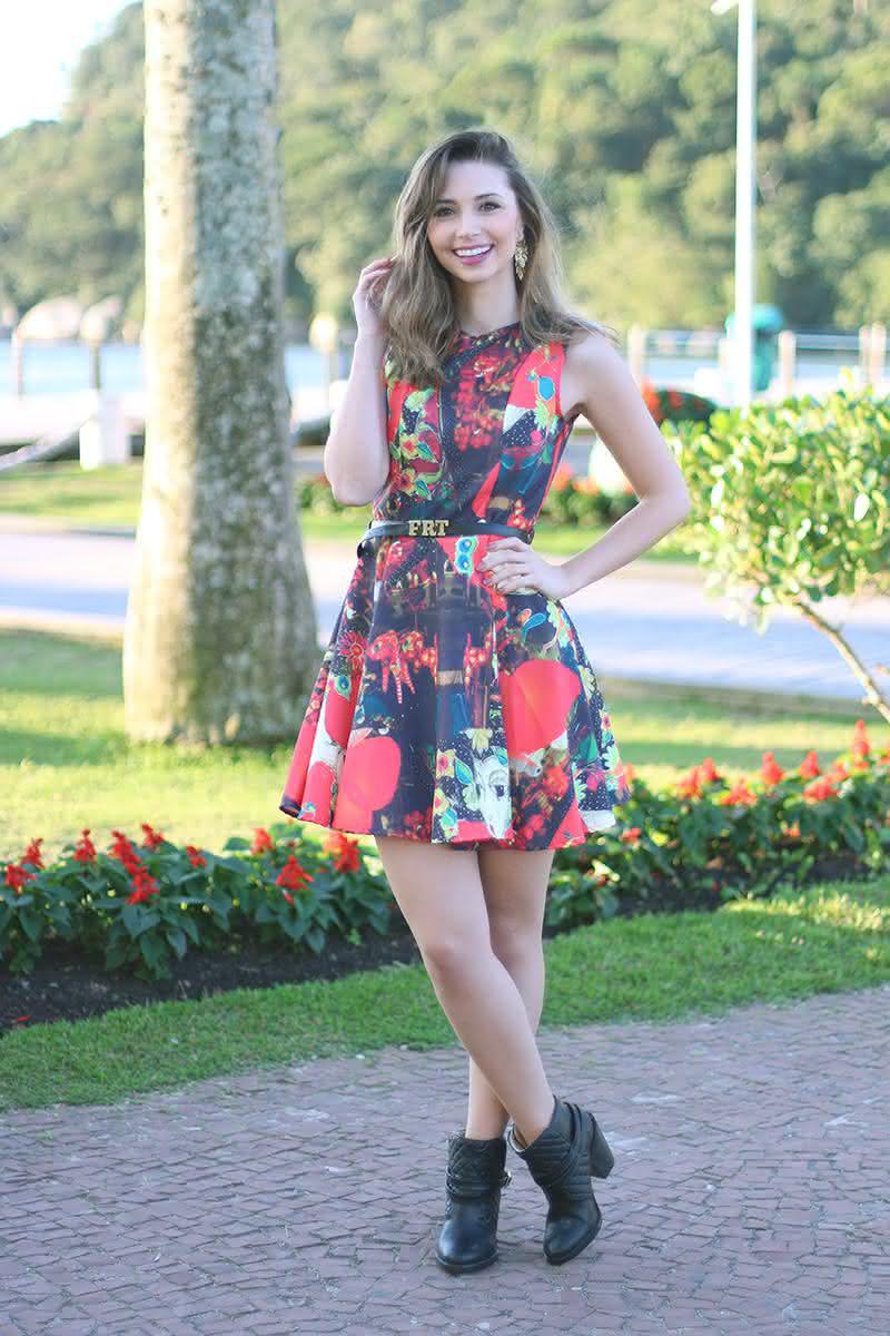Morena de vestido fino e provocante com bunda perfeita - 1 part 3